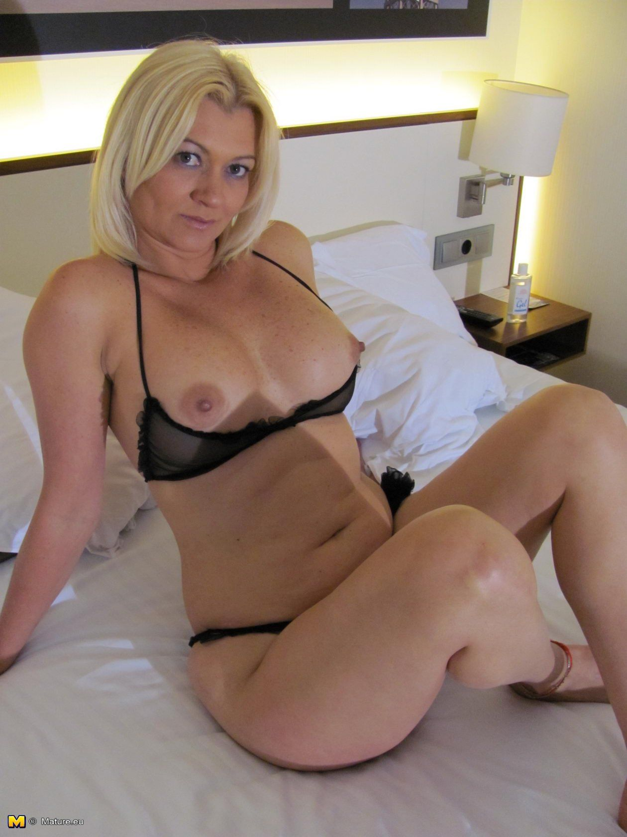 Adult gallery Wife outdoor beauty shaved
