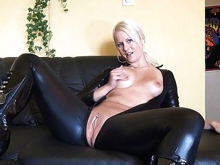 Top Porn Photos Makeout dildo bj secretary