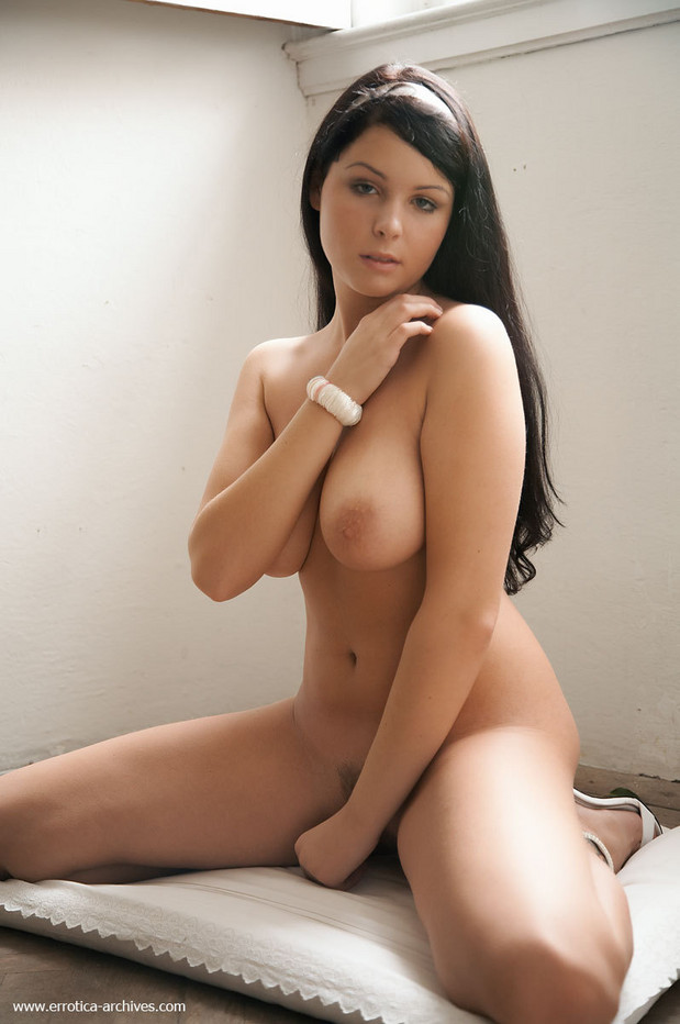 young otngagged brunette Big nipples