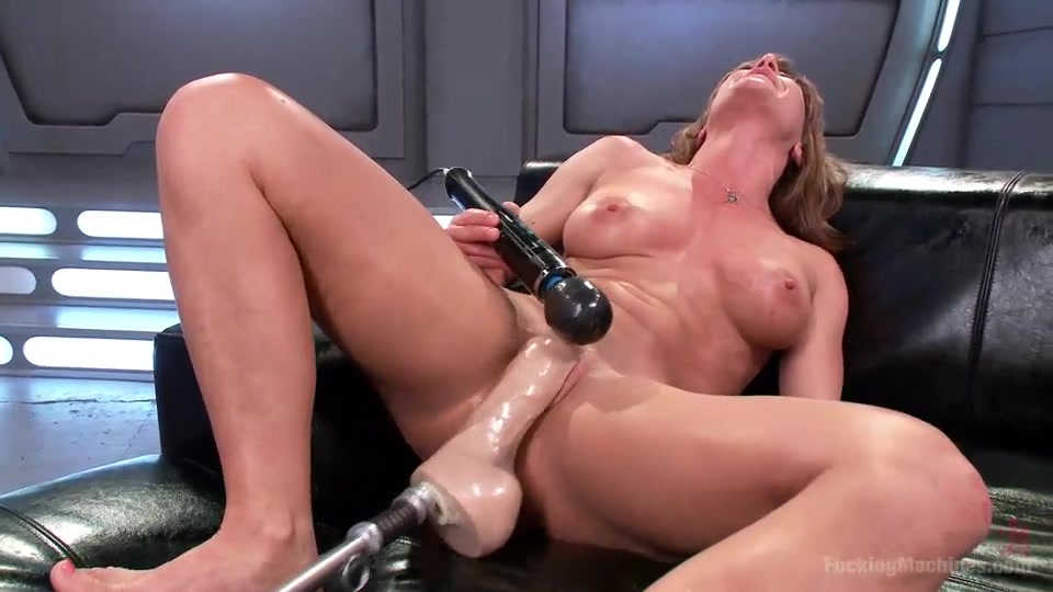 Piercing solo kinky first time