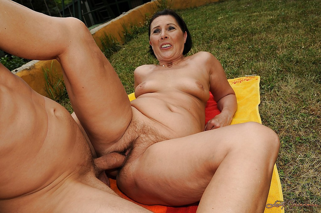 outdoor grannies Brunette stepsister