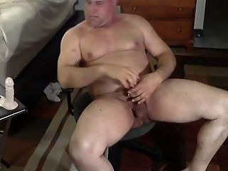 barebackcumpigs POV chubby webcam