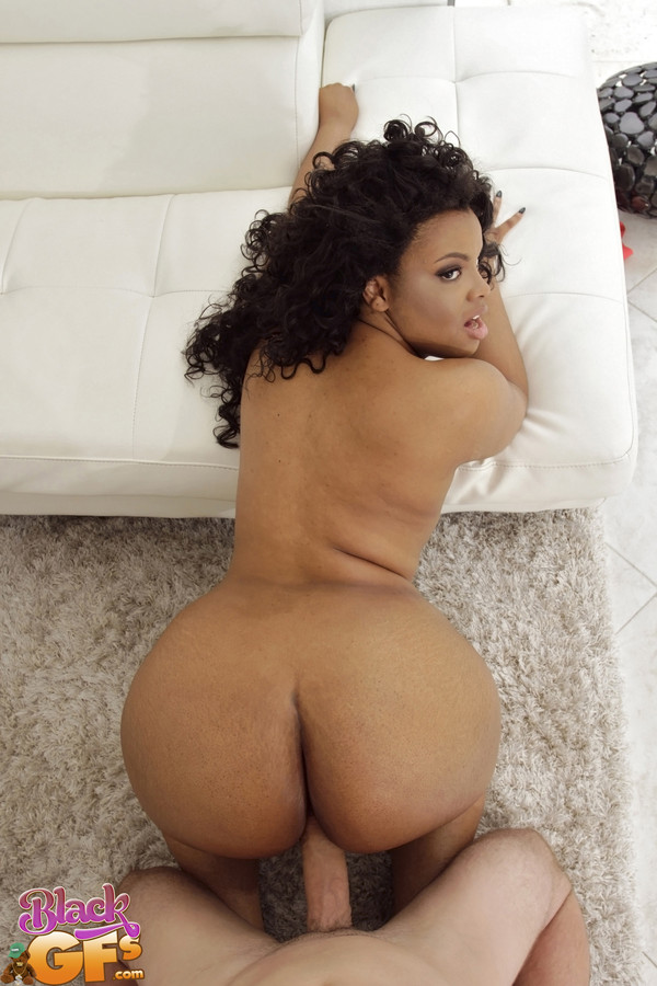 Chubby woman POV big booty