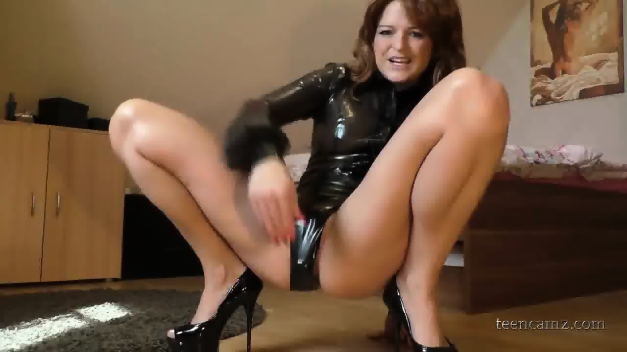 masturbate stepbrother girlfriend Latex