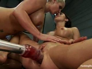 New porn 2019 Double blowjob shower messy exhibitionist