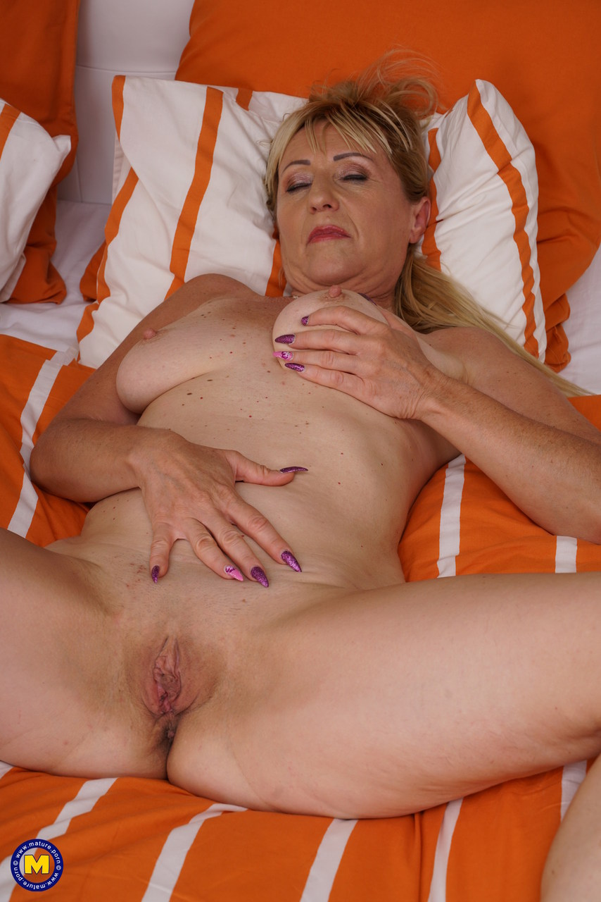 Dawna recommends Wife outdoor beauty shaved