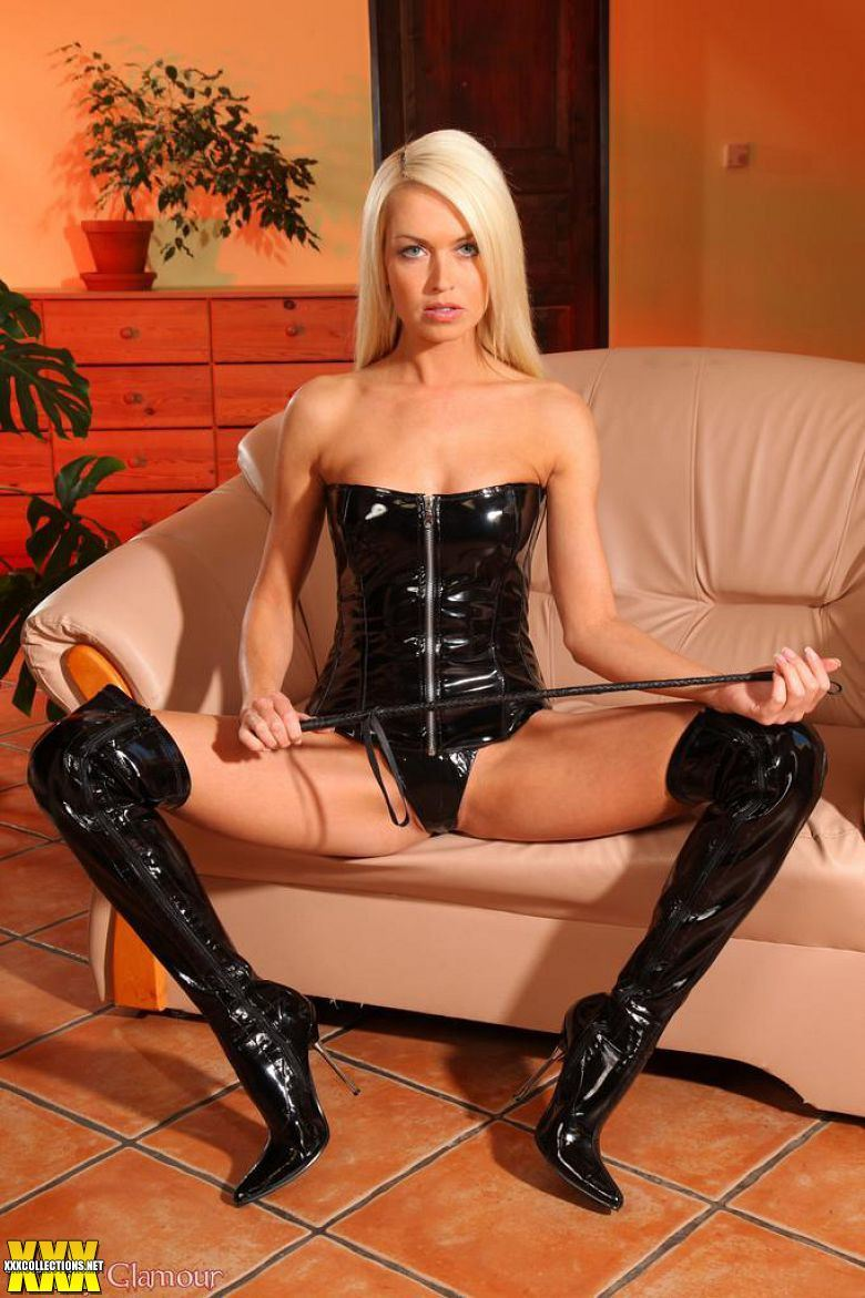 stepbrother latex Glamour model