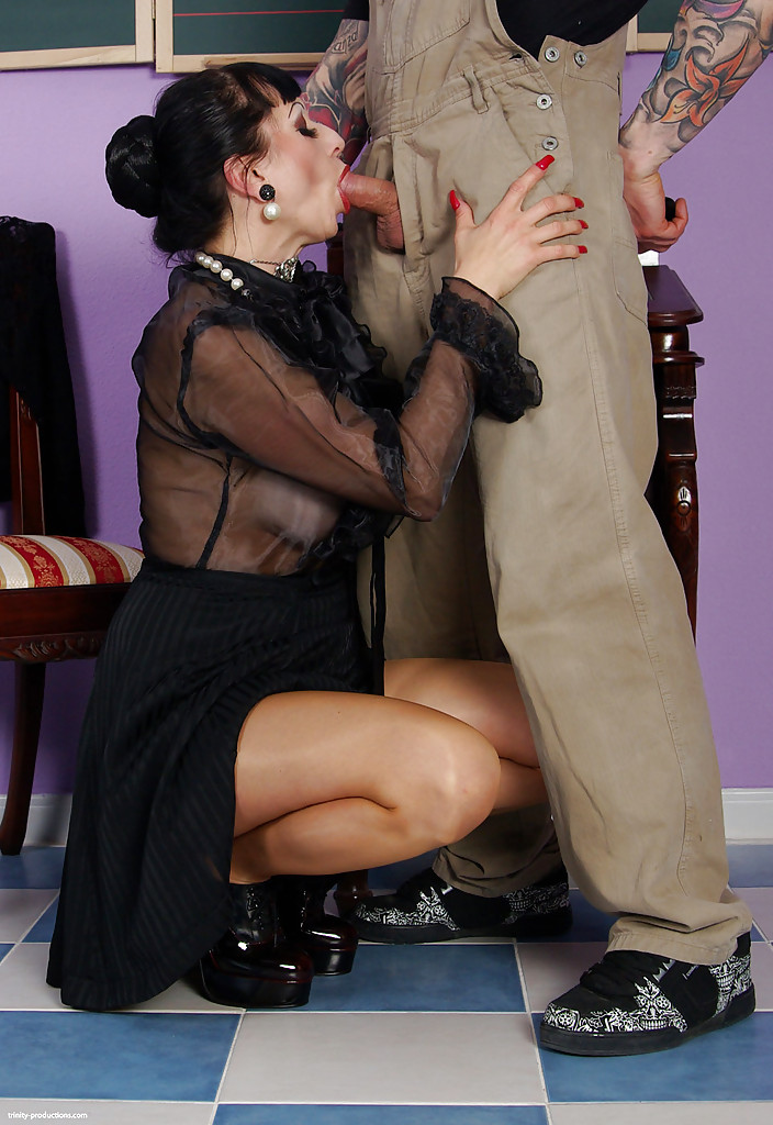 pantyhose dick kinky Hairy sucking