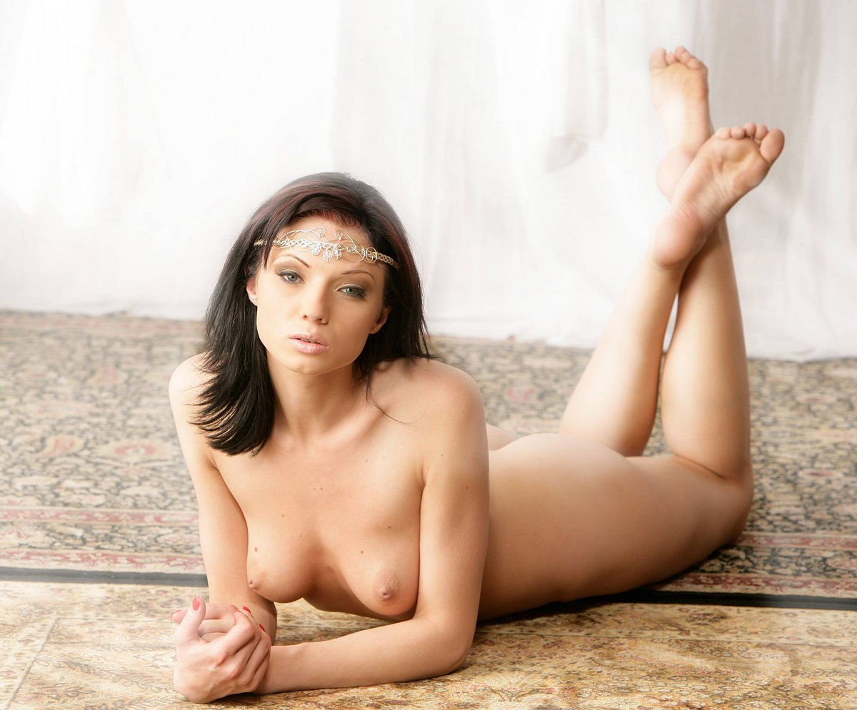 sexy piercing Brunette glamour