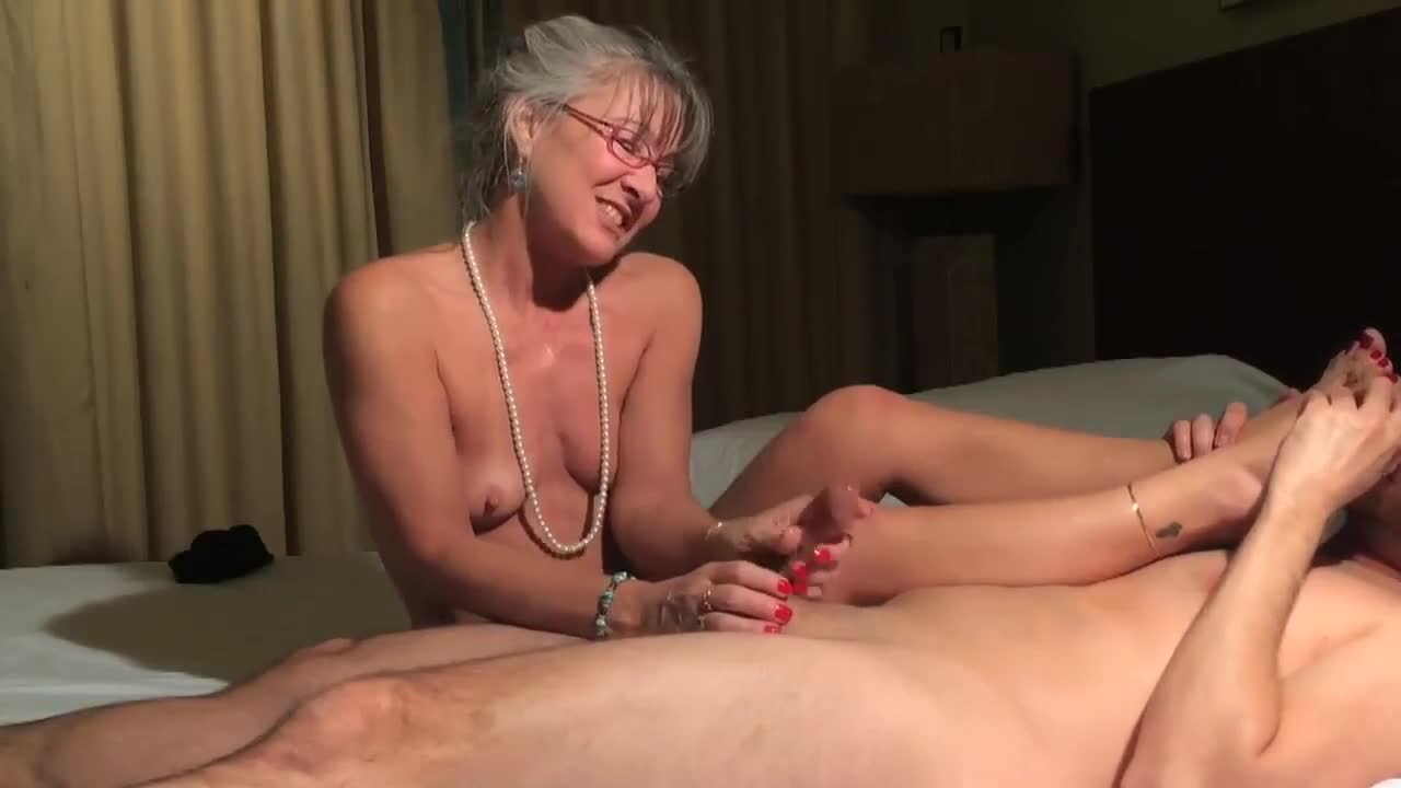 Porn pictures Slut nude jerking off first time