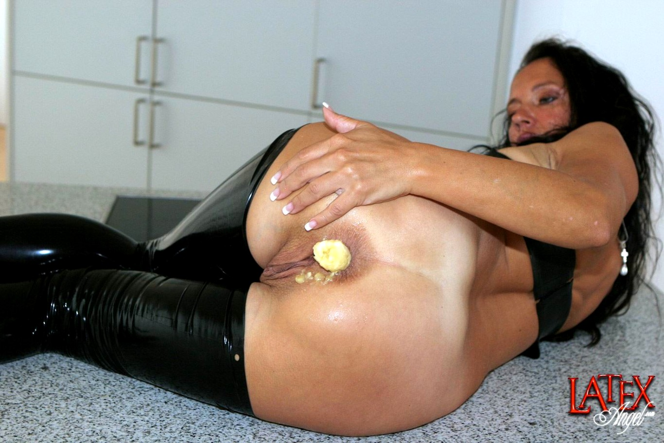 Chavana recommends Shared girl pantyhose anal