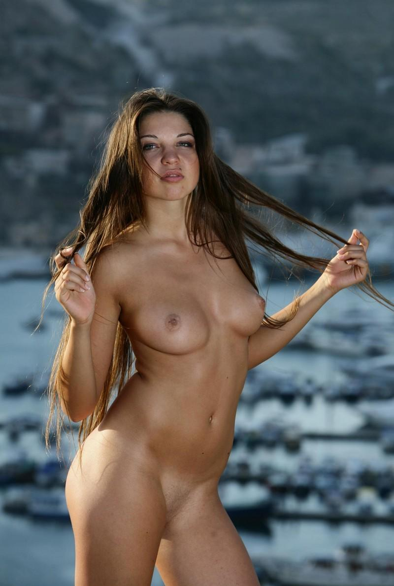 hair curvy Long brunette sexy