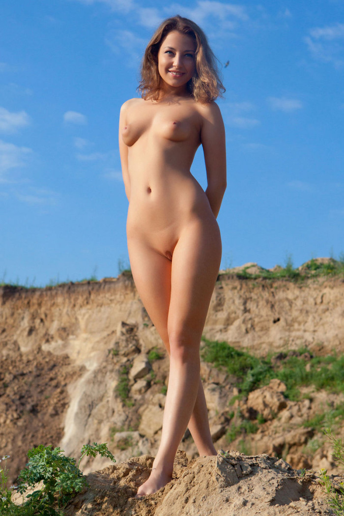 bbc Shaved woman outdoor