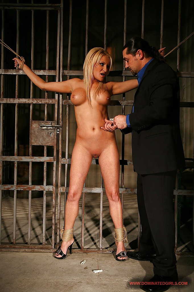 Shemale doggystyle midget chained