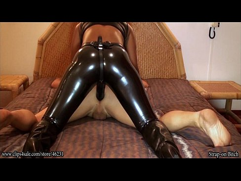 latex Stepsister girlfriend pegging